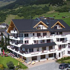 Hotel & App. Alpenroyal
